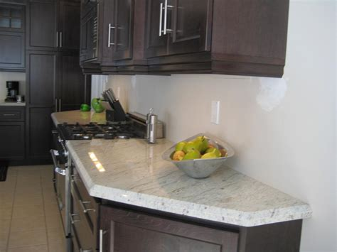 best granite color for off white cabinets best wall color for off white kitchen cabinets cabinet