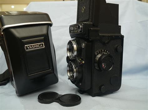 Yashica Mat 124g Value by 124g Yashica Mat 124g Cased Tlr Vintage 109 99