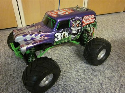 traxxas grave digger rc truck truck traxxas monter jam grave digger 2013 deres 30th
