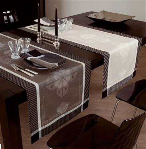 Runner Table by Inexpensive Or Luxurious Table Runners Table Dressing