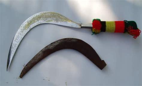 Pisau Belati Asli mengenal 7 senjata tradisional asli indonesia dan nasib mereka hari ini boombastis