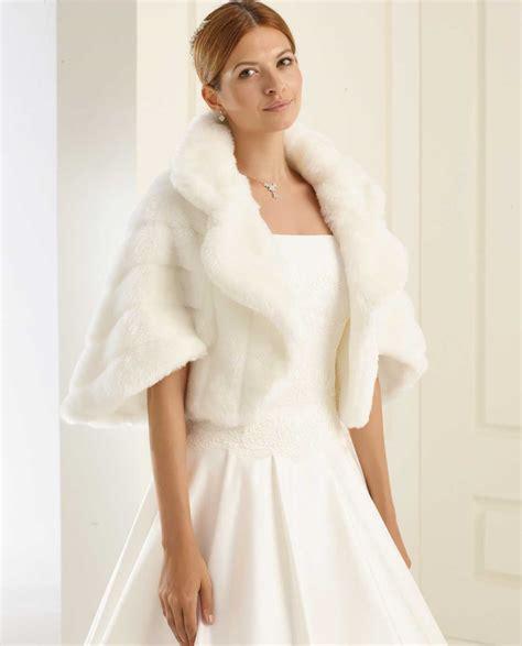 Preiswerte Brautmode by Braut Cape In Pelzoptik Ohne Satin Masche Samyra Fashion