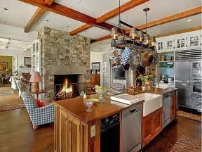 a htons style home on bainbridge island hooked on houses