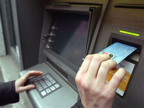 quanti contanti si possono versare in bancomat multe per prelievi quot ingiustificati quot si paga dal