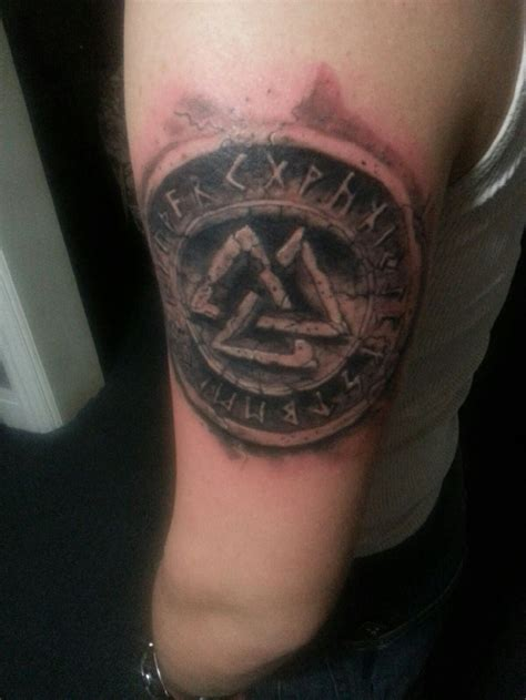 valknut tattoo valknut by chrisboehler on deviantart