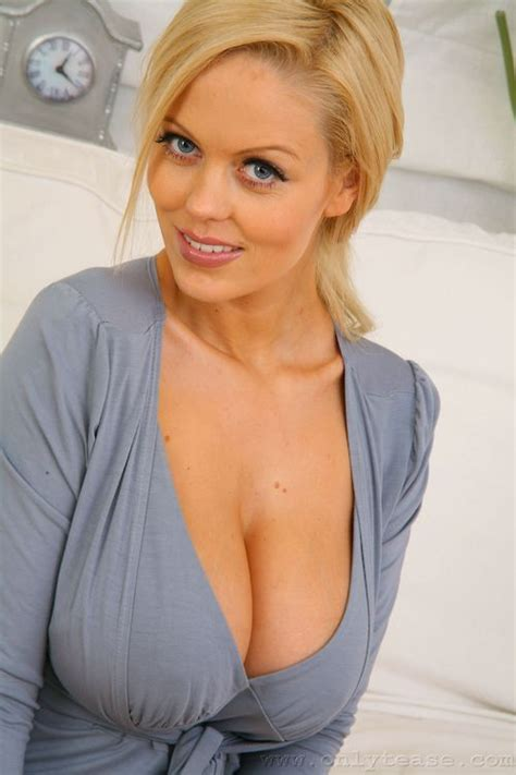 Meeting and Loving With a Nice Cougar. http://www.megacougar.biz/top cougar dating/   Milf