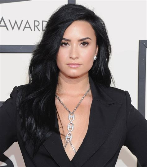 latina hair color ideas youtube superlong and carbon black demi lovato hair pictures