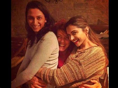 deepika sister anisha deepika padukone spotted with sister deepika padukone new