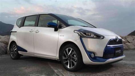 Bantal Mobil 3 In 1 Set Toyota Sienta Piillow Car toyota rencanakan sienta hybrid hadir di indonesia viva