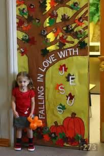 fall classroom decorations best 25 sunday school classroom ideas on