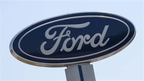 ford hourly ford s hourly uaw employees to get 9 000 in 2016 profit