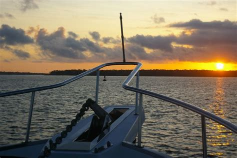 anchor boat overnight anchoring overnight captain chris yacht services