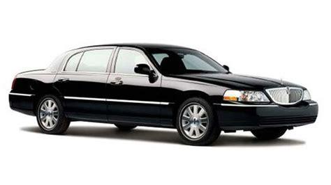 car black 4 passenger black lincoln town car san diego black car