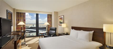 rooms for chicago reasons to book chicago ohare airport hotel voyage