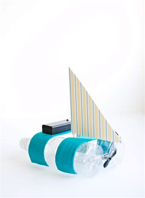 how to make a moving boat out of paper easy diy bottle boat with a motor