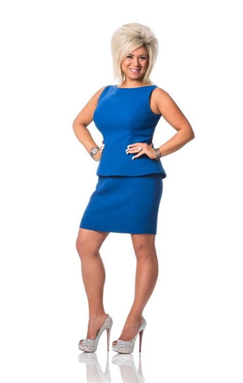 how tall is theresa caputo theresa caputo bra size newhairstylesformen2014 com