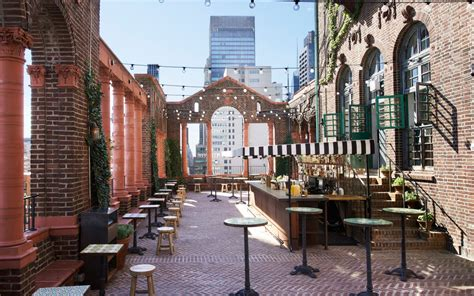 Top Hotel Bars Nyc by Best Rooftop Bars In Nyc Travel Leisure