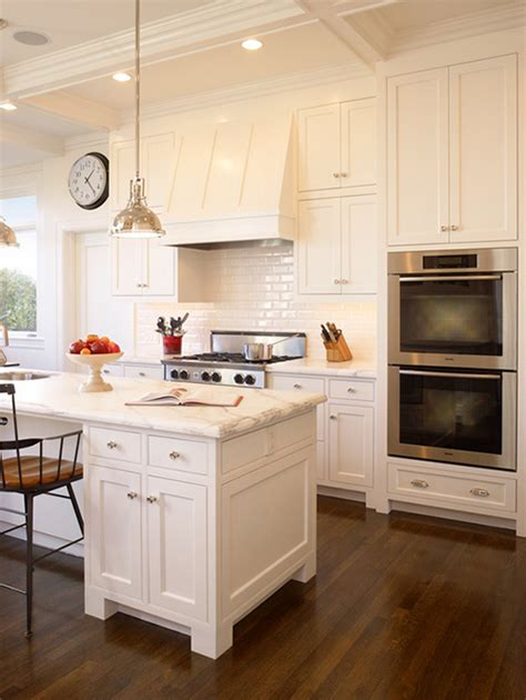 white kitchen with white granite the peak of tr 232 s chic white kitchens marble vs quartzite