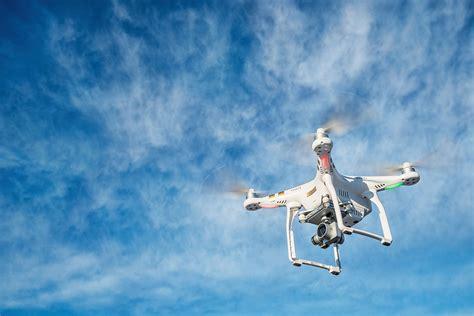 Drone Phantom Di Indonesia 5 drone terbaik di tahun 2015 social media week jakarta