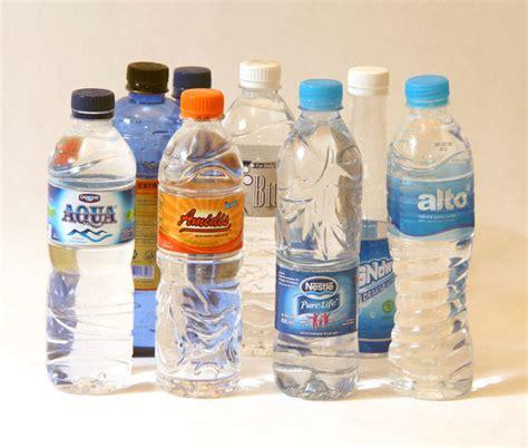 desain kemasan botol air mineral benarkah air mineral bisa kadaluarsa edunews