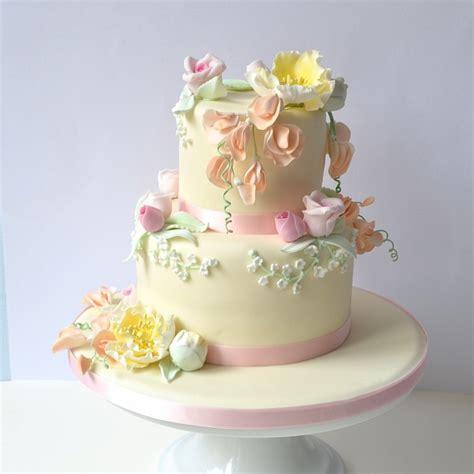 Gâteau Roses, Pois de Senteur et la fleur jaune fait ... Gateau De