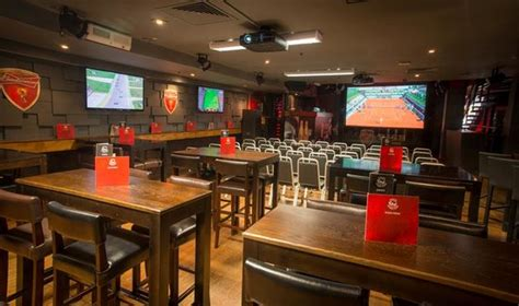 232 bars books booth seating picture of rileys sports bar
