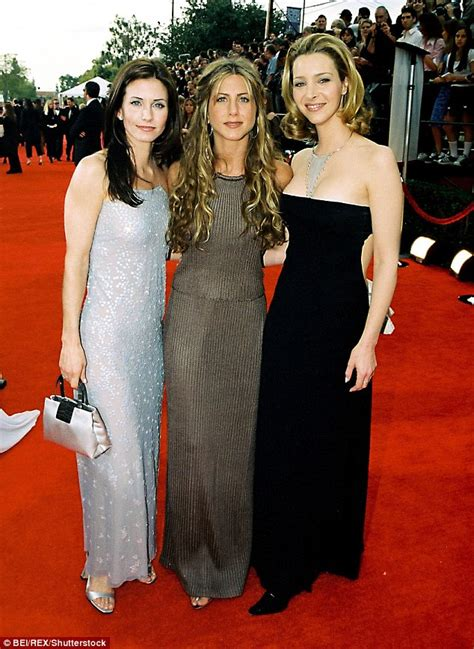 That Aniston Courteney Cox Isnt Really by Kudrow Courteney Cox And Jen Aniston Are Part Of