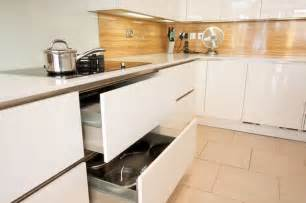 Modern Handleless Kitchens - handleless kitchen drawers modern kitchen cabinetry other metro by lwk kitchens london