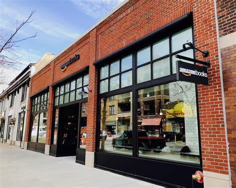 amazon bookstore amazon books opens new chicago neighborhood location