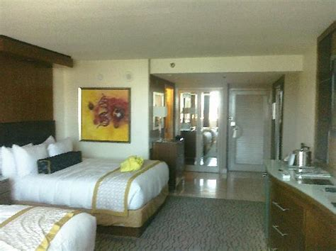 Conjoining Rooms by Big Pool Picture Of The Mirage Hotel Casino Las Vegas Tripadvisor