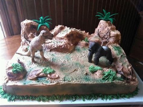 throw back king kong and godzilla cake birthday boy pinterest t rex vs king kong cake cakes i ve done pinterest