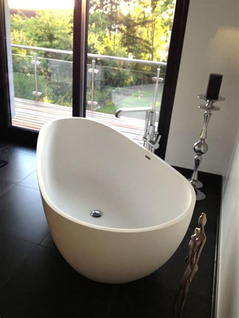 badewanne mit wannenträger badewanne inkl wannentr 228 ger design idee casadsn