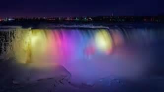 niagara falls lights 2014 a frozen niagara falls light show looks like a magical
