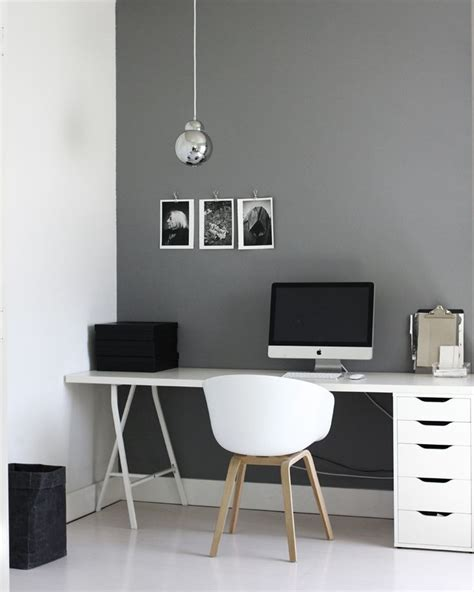 Grey Office Desks by 25 Best Ideas About Grey Office On Office
