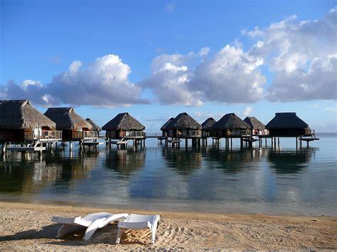 philippines travel site  places  spend  honeymoon