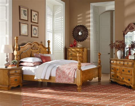 majik georgetown queen poster bed dresser mirror
