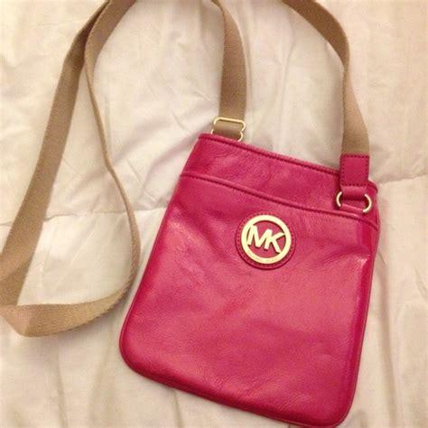 Mk Crossbody Baby Pink 66 michael kors handbags michael kors pink crossbody from carla s closet on poshmark
