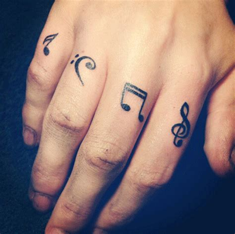 tatuaje de letras love dedos tatuajes en los dedos 187 ideas y fotograf 237 as