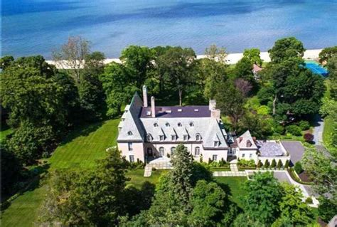 great gatsby home the great gatsby mansion can be yours for 17 million