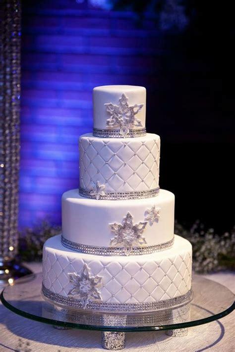 adorable winter wedding cake ideas