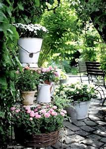17 shabby chic garden for romantic feel house design and the rusty relic garden decorating ideas