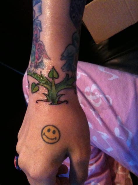 cassadee pope tattoo cassadee pope smiley back of