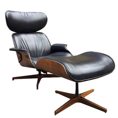 Plycraft Chair For Sale by George Mulhauser Leather Plycraft Lounge Chair For Sale At