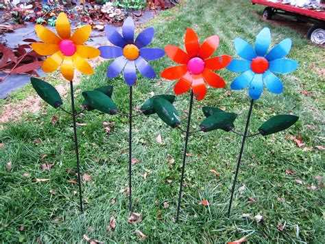 Recycled Tin Colorful Flowers Yard Stakes Metal Garden Flowers