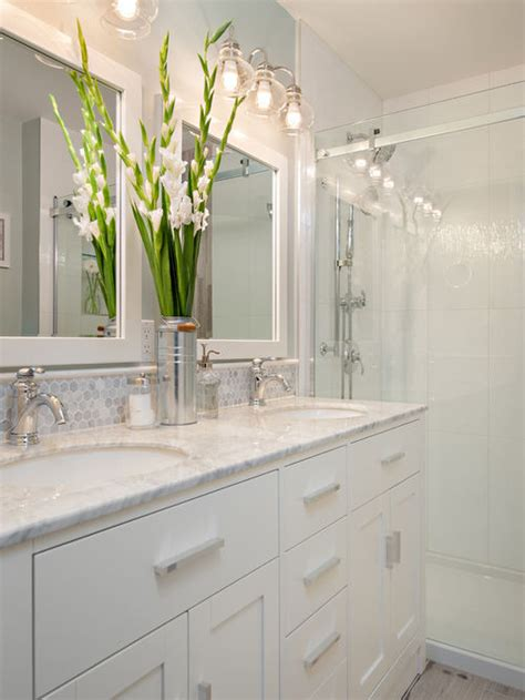 Best Small Bathroom Design Ideas & Remodel Pictures   Houzz