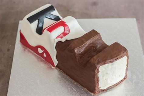 kinderriegel kuchen kinderschokolade mademoiselle cupcake