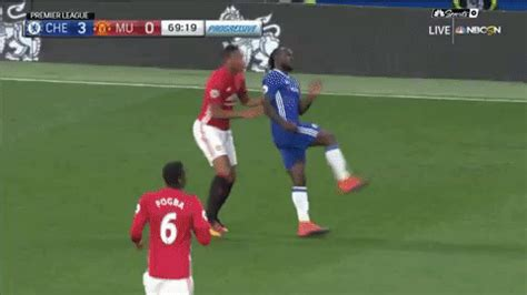 wallpaper gif manchester united united soccer gif find share on giphy