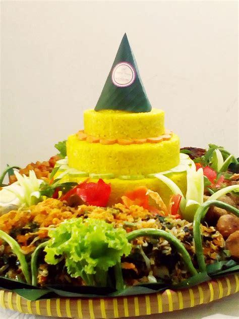 membuat nasi kuning untuk 50 porsi wa 081293232007 tumpeng untuk 20 orang pesan nasi tumpeng