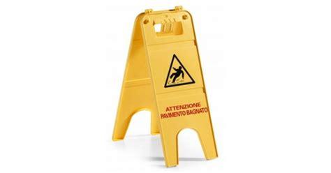 segnale pavimento bagnato segnale pavimento bagnato chiwishop