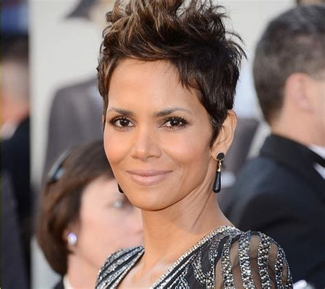 halle berry short pixie wig get the look queen of the pixies halle berry video